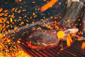 Leckeres Steak auf einem 800 Grad Grill